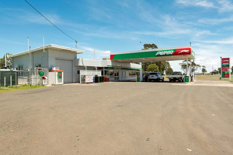 243-247 Bridge Street Oakey QLD 4401 - Image 3