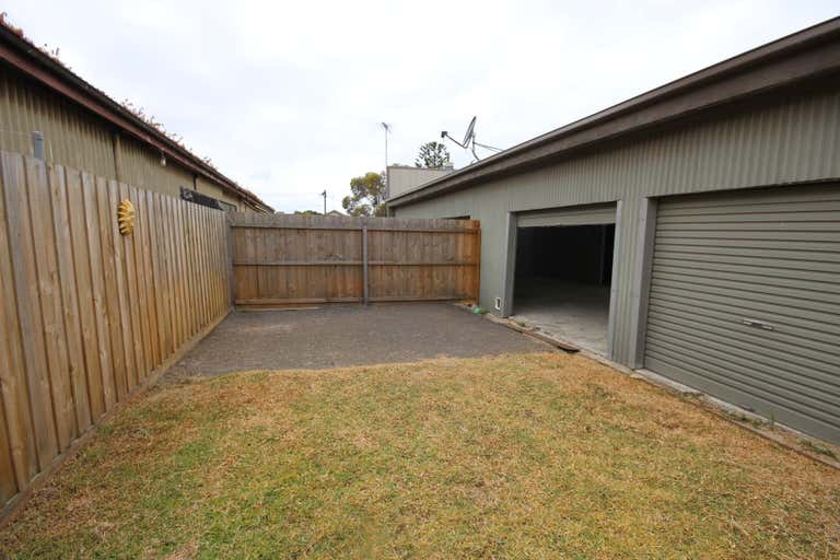 1C Seaforth Street North Shore VIC 3214 - Image 3