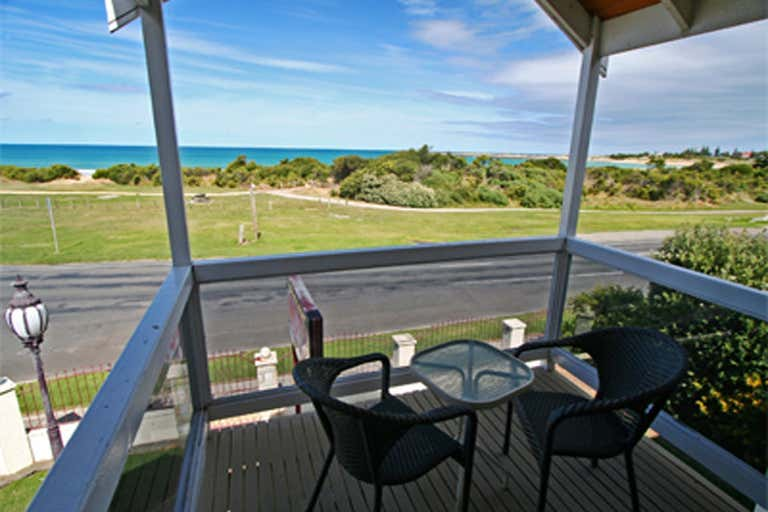 Lighthouse Keepers Inn, 175 Great Ocean Road Apollo Bay VIC 3233 - Image 4