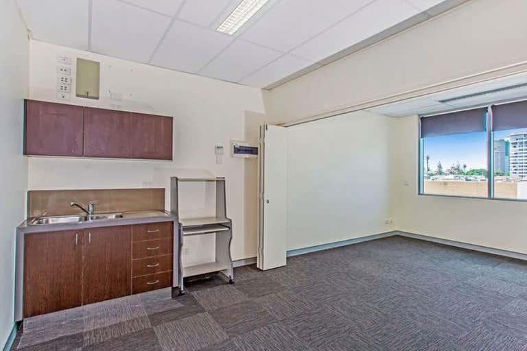 Suite 30/75 Wharf Street Tweed Heads NSW 2485 - Image 4
