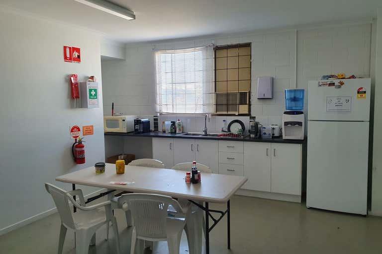 97 Hanson Road Gladstone Central QLD 4680 - Image 4