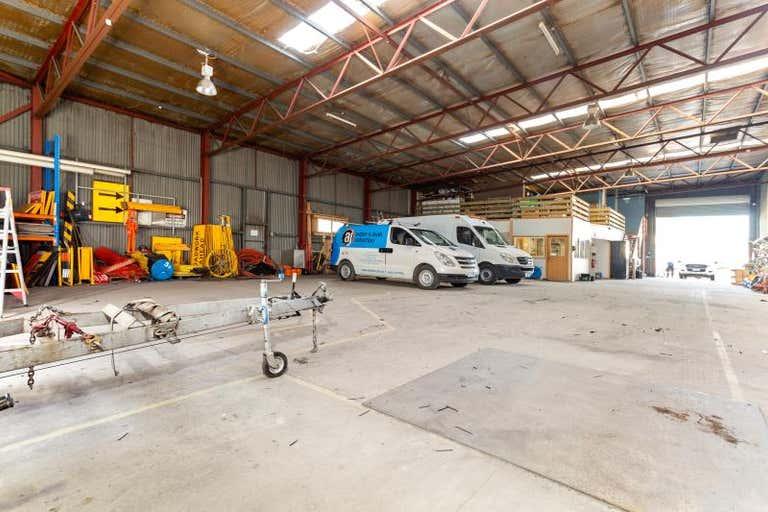 Warehouse 11, 14 Broadland Drive Newstead TAS 7250 - Image 4