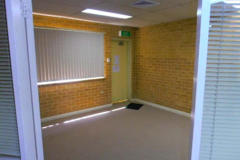 Suite 2, 213 Albany Street Gosford NSW 2250 - Image 4