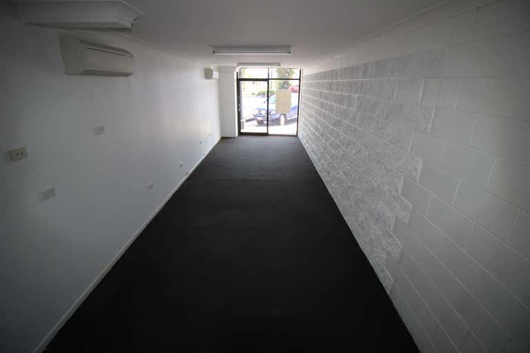 2/185 Mulgrave Road Bungalow QLD 4870 - Image 4