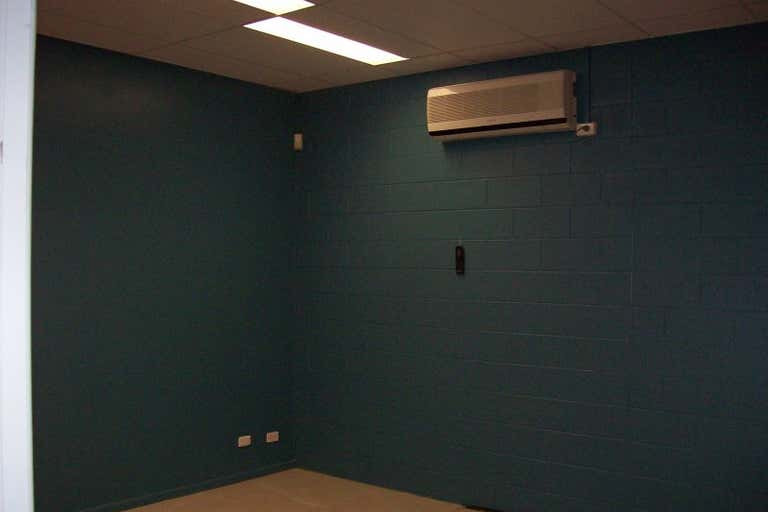 Suite 3, 251 Ford Street Rockhampton City QLD 4700 - Image 4