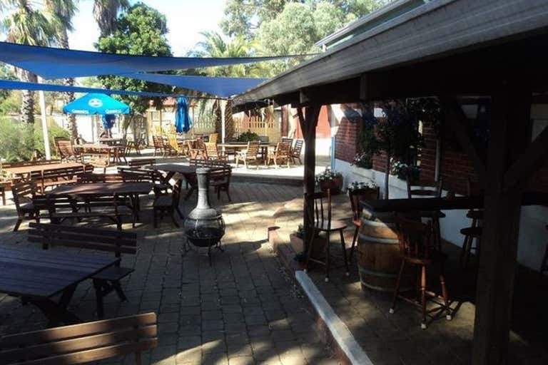 Grass Valley Tavern, 8 Carter Road Grass Valley WA 6403 - Image 4