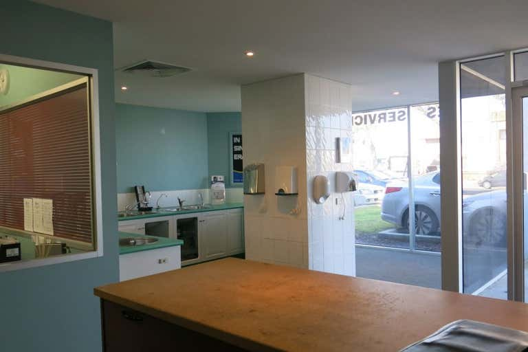 Unit 4/265-269 Wickham Road Moorabbin VIC 3189 - Image 2