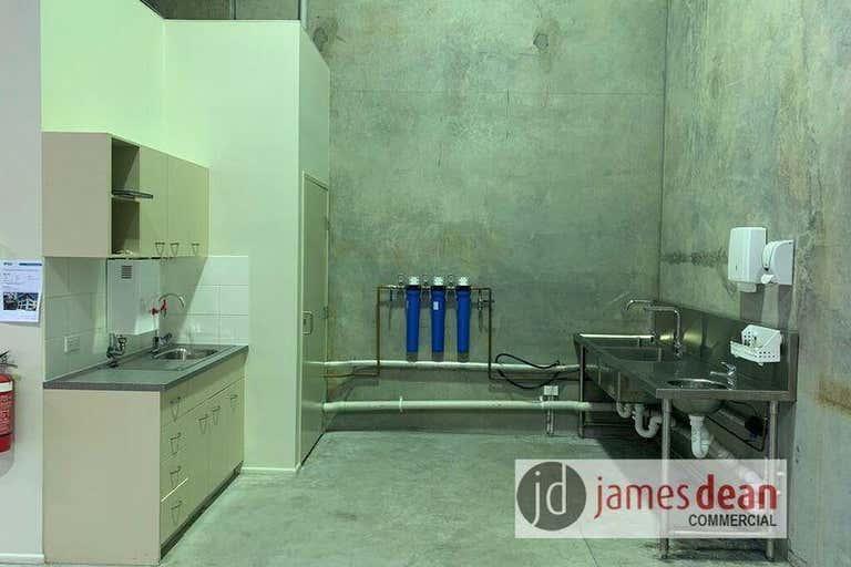 Unit 2, 20 Rivergate Place Murarrie QLD 4172 - Image 4