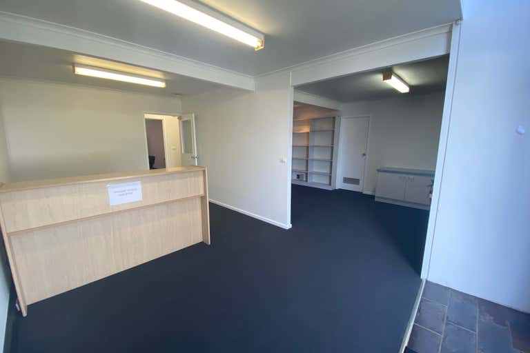 2/6 Viewtech Place Rowville VIC 3178 - Image 2