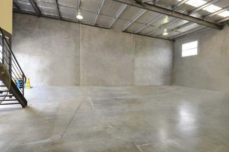 4/11 Breene Place Morningside QLD 4170 - Image 2