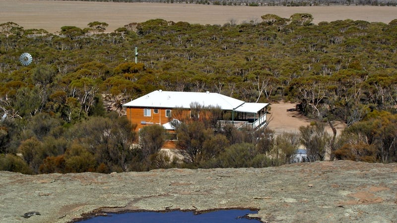 397 Bushfire Rock Road, Hyden, WA 6359