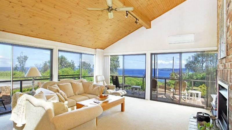 32 North Scenic Road, Forresters Beach, NSW 2260