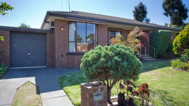 2/7 Mayfield Parade, Strathdale, Vic 3550