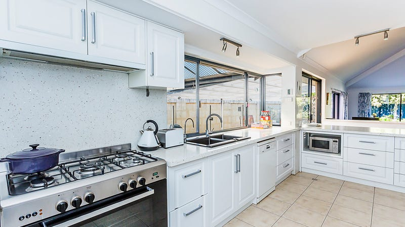26 Porto Santo Green, Secret Harbour, WA 6173