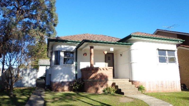 2 Bass Avenue, East Hills, NSW 2213