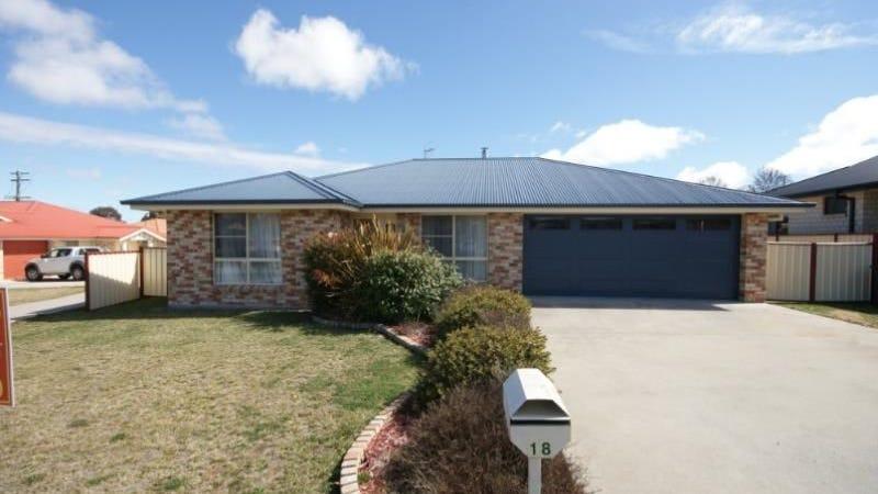 18 Aldred Avenue, Armidale, NSW 2350