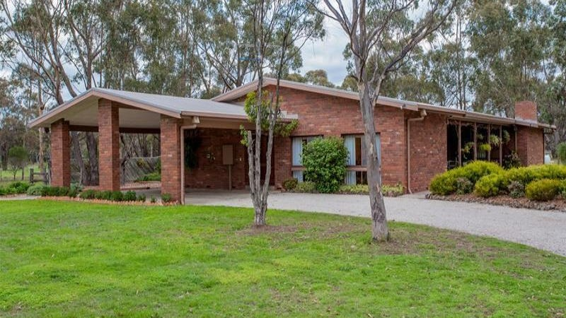 1 Clematis Court, Long Forest, Vic 3340