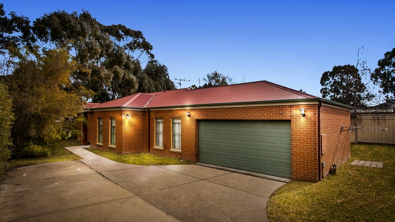 16 Peppertree Grove, Strathdale, Vic 3550