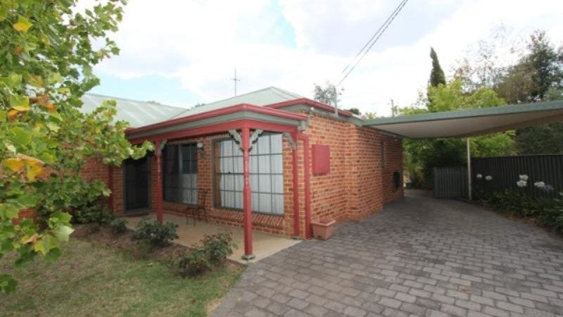 8 Mooney Valley Place, West Bathurst, NSW 2795