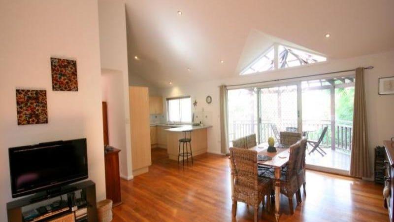 77 Beverley Avenue, Unanderra, NSW 2526
