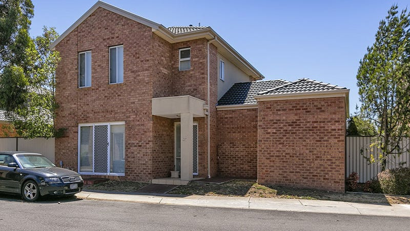 24/51-55 Tullidge Street, Melton, Vic 3337