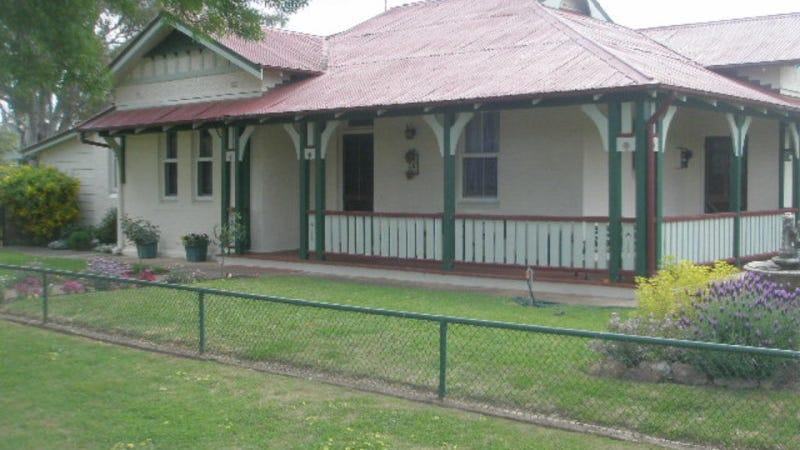 8 Renehan Street, Cootamundra, NSW 2590