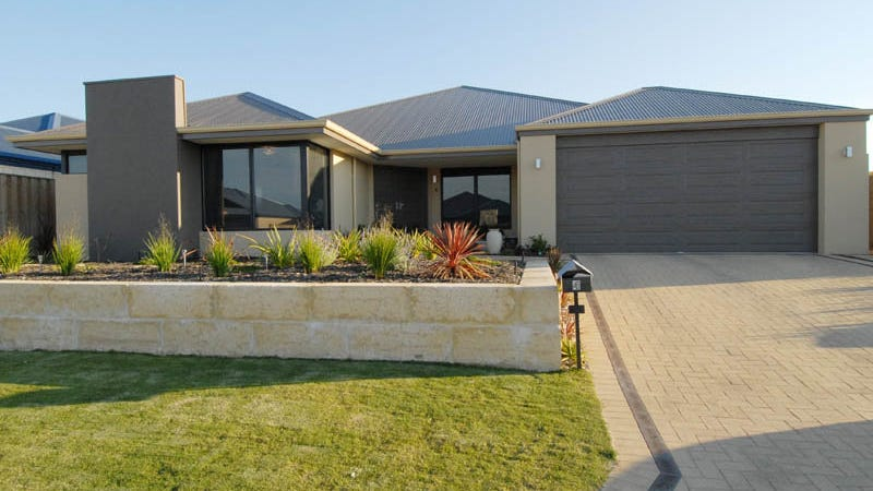 4 Hoyton Close, Ellenbrook, WA 6069