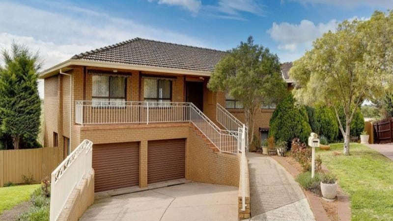12 Waltham Place, Avondale Heights, Vic 3034