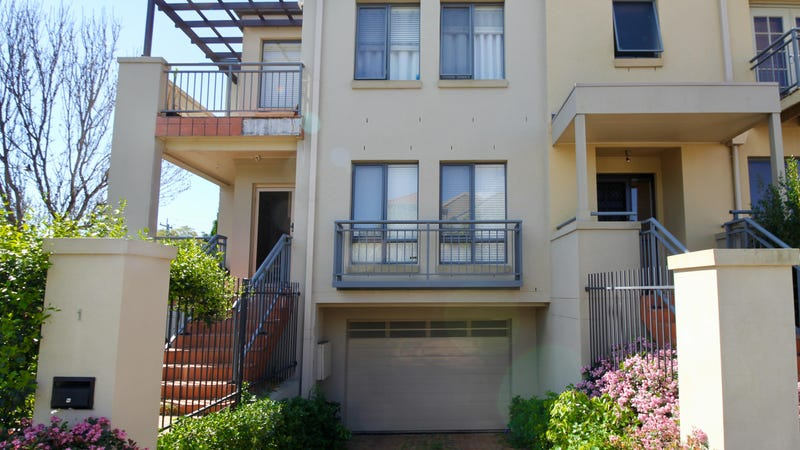 1 Refractory Court, Holroyd, NSW 2142