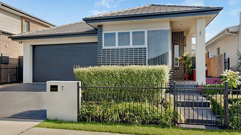 7 Mckenzie Boulevard, Gregory Hills, NSW 2557