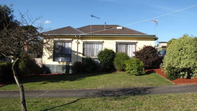 12 Durham Road, Newborough, Vic 3825