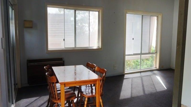 8 Howard Avenue, Green Point, NSW 2251