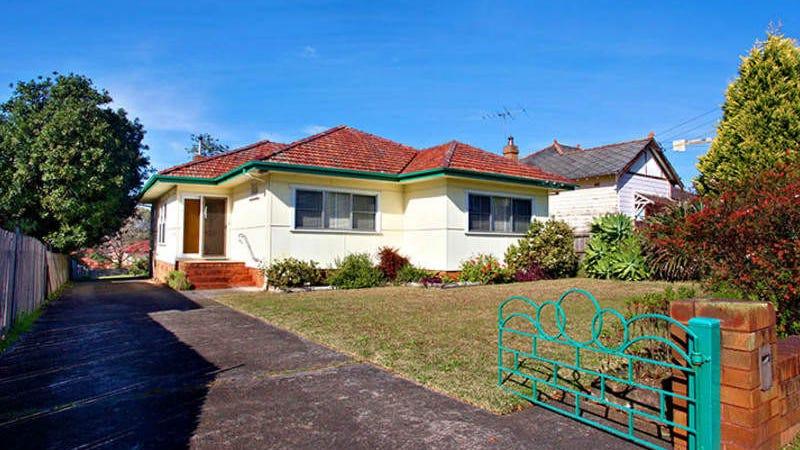 13 Hawkesbury Road, Westmead, NSW 2145