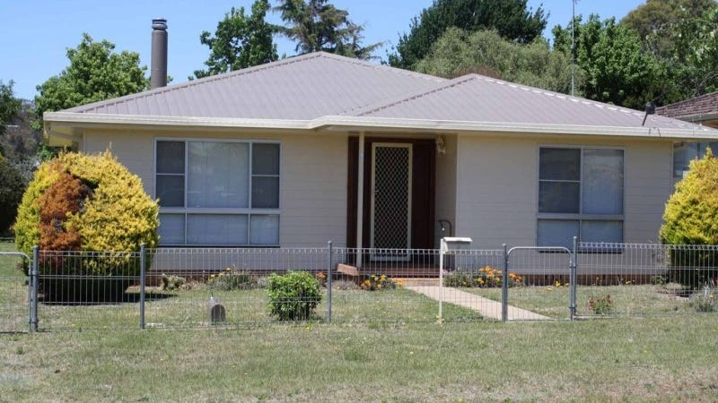 9 Short Street, Glen Innes, NSW 2370