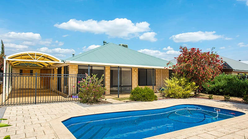 8 Simmonds Pass, Ellenbrook, WA 6069