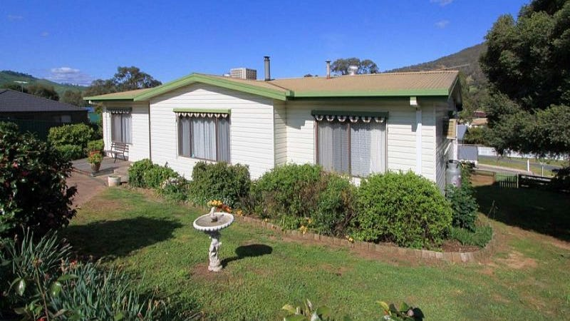 1 Pearce Court, Tallangatta, Vic 3700