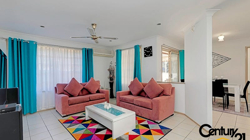 27 Guernsey Avenue Minto NSW 2566