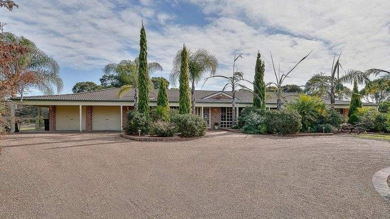 10 Bonnie Field Close, Catherine Field, NSW 2557