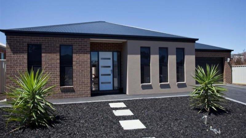 16 Bronze Drive, Kangaroo Flat, Vic 3555