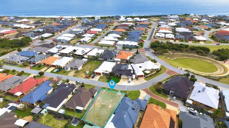 16 Honeymyrtle Gra, Halls Head, WA 6210