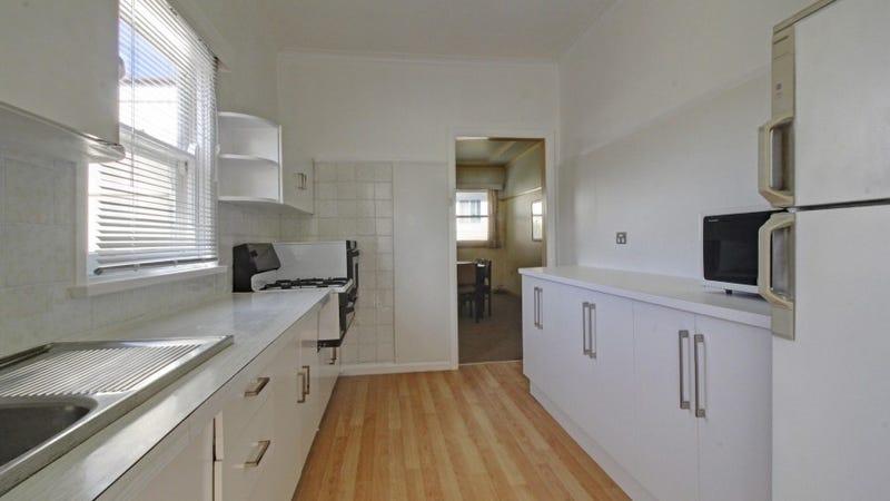 18 Mountview Avenue, Gwynneville, NSW 2500