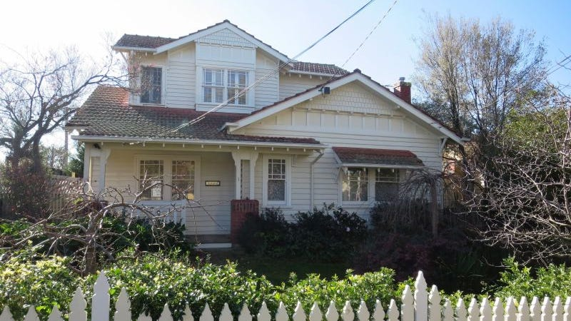 1 Kinloch Avenue, Mont Albert, Vic 3127