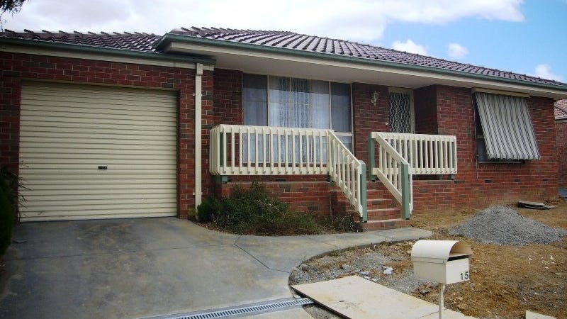 15 Fairlawn Place, Bayswater, Vic 3153