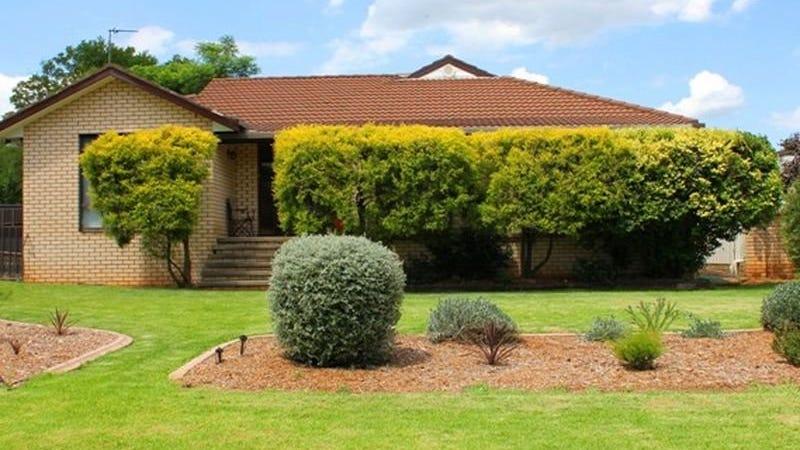 11 Appian Way, Cowra, NSW 2794