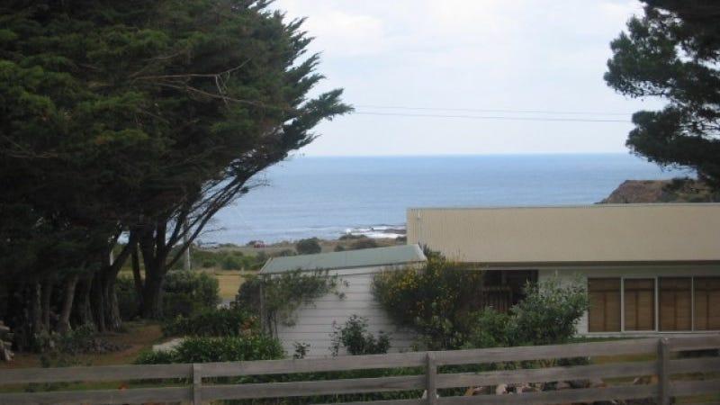 4 Seaview Cres, Kilcunda, Vic 3995