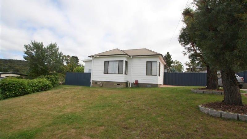 42 Hawkins Street, Cooma, NSW 2630