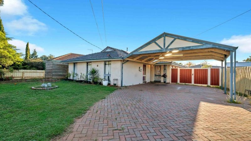 2 Bolger Cres, Hoppers Crossing, Vic 3029