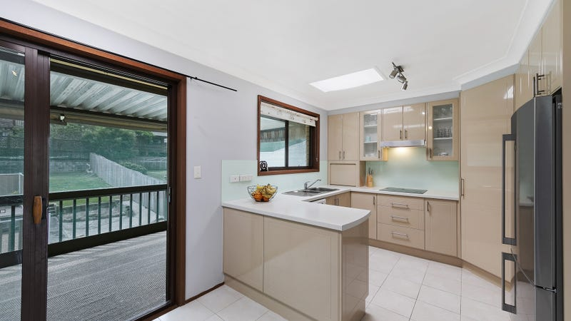 45 Albatross Road, Berkeley Vale, NSW 2261