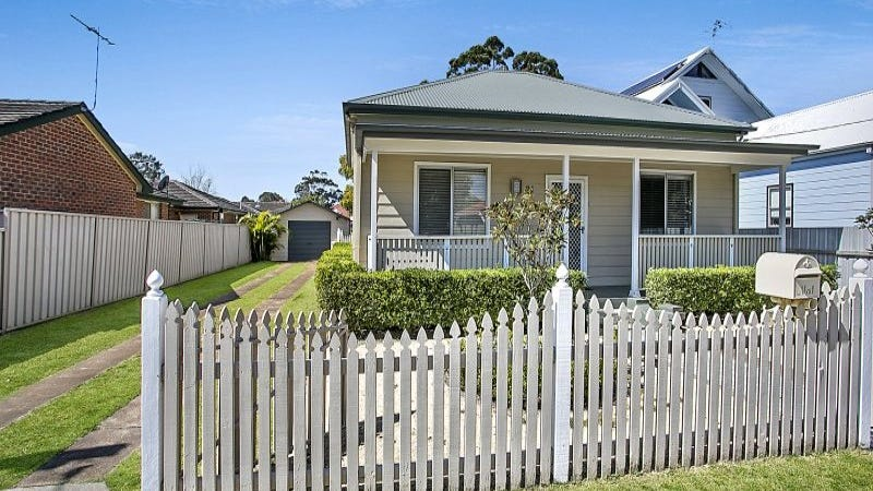 21 Newcastle Street, Hamilton North, NSW 2292