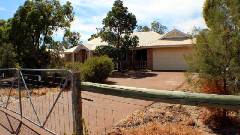 14 Fyfield Way, Bedfordale, WA 6112